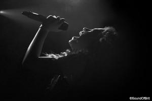 Ella Eyre en concert au Bus Paladium le 29 octobre 2014