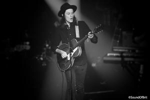 James Bay en concert aux Étoiles à Paris le 22  janvier 2015