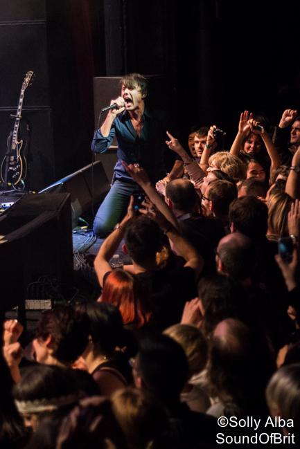 Suede en concert à La Cigale, Paris, le 28 janvier 2016