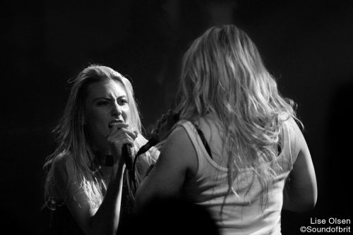 Crystal Fighters en concert au Trabendo, Paris, le 24 octobre 2016