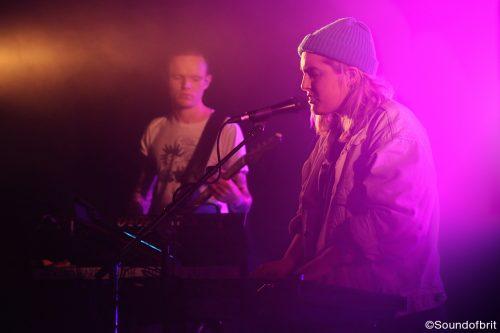 Shura en concert au Point Éphémère à Paris, le 17 novembre 2016