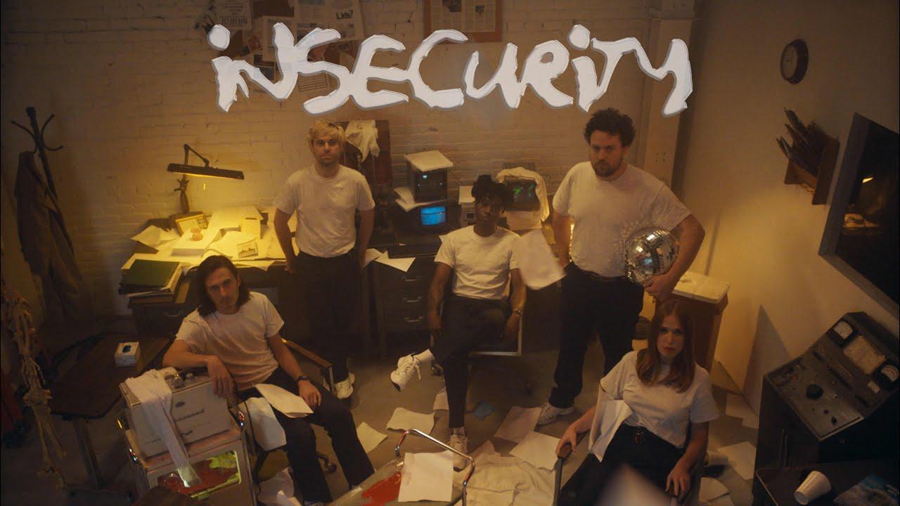 Extrait du clip Insecurity - Metronomy