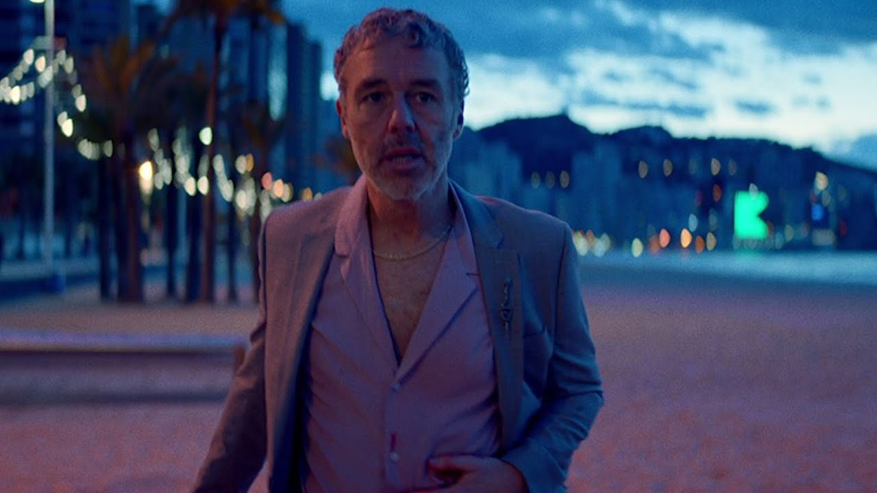 Baxter Dury, I'm Not Your Dog, extrait du clip
