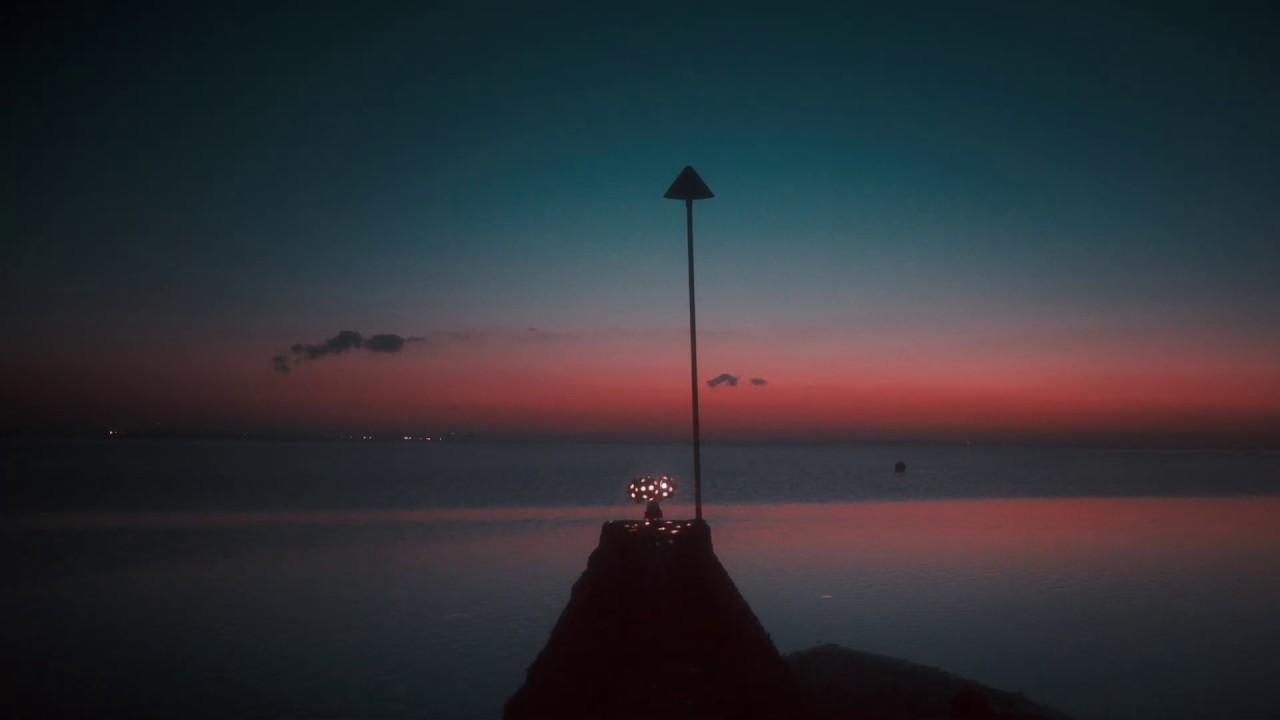 Whitsand Bay par Metronomy, Extrait du clip