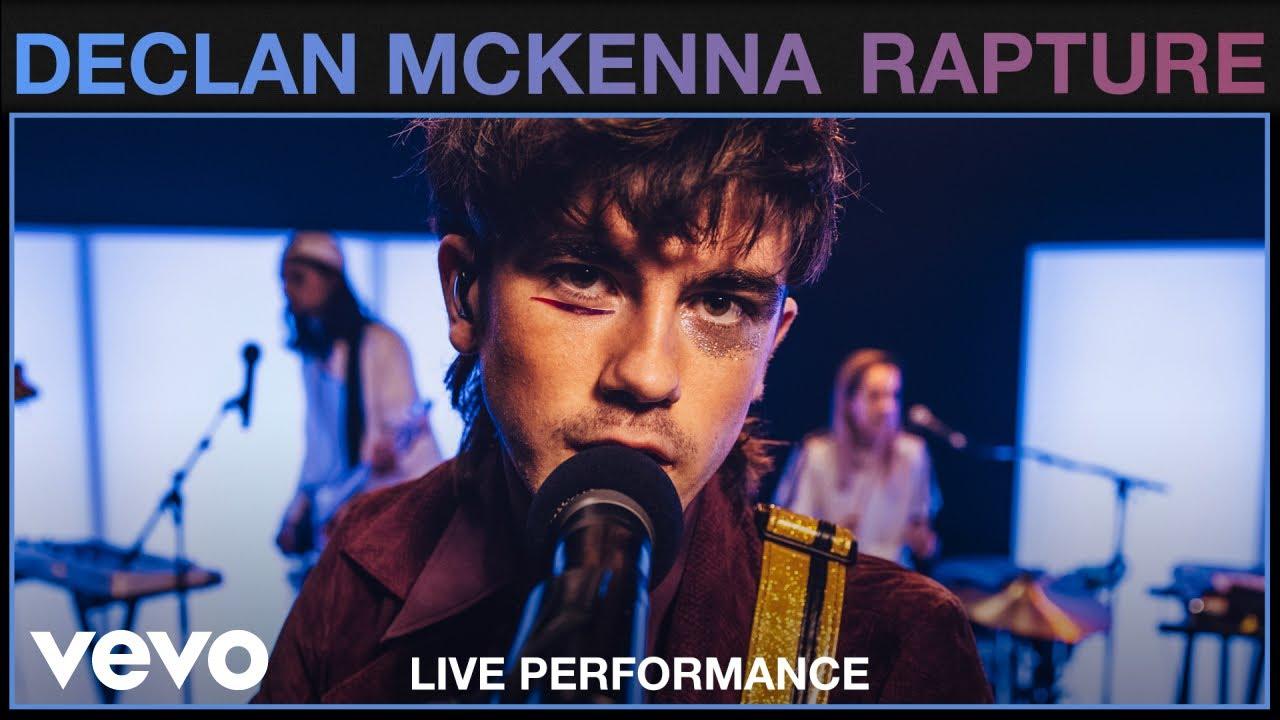 Declan McKenna interprete Rapture en live pour Vevo